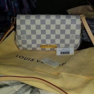 Authentic Louis Vuitton Favorite PM Crossbody